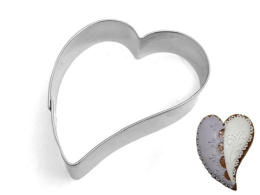 Ausstecher schiefes Herz 6,5cm